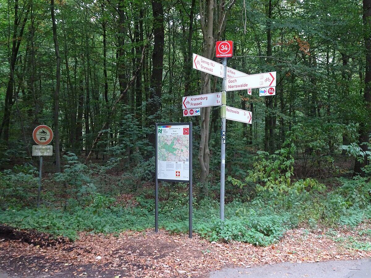 Volg Kranenburg / Frasselt om bij de Geldenberg te komen