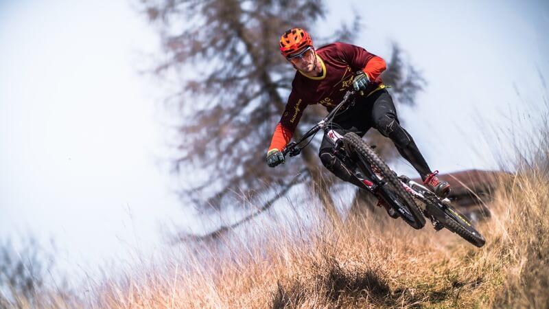 man-person-winter-sport-bicycle-bike-40782-pxhere.com